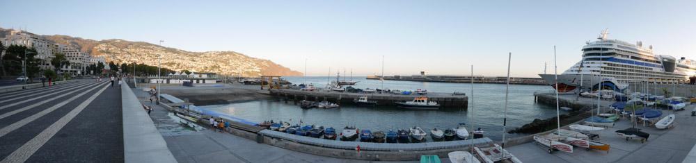 Havnebassenget til seilskolen i Funchal