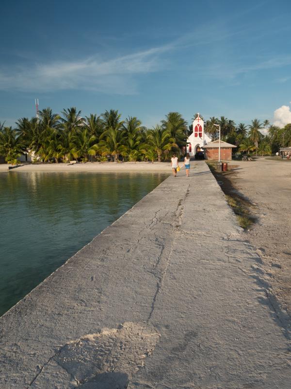 Kirkene finner man over alt på Tuamotene